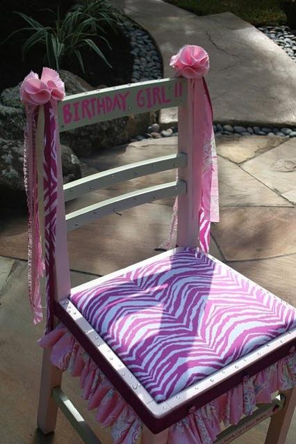 http://4.bp.blogspot.com/_pWTfLxKE_Y8/TE75iHUrZYI/AAAAAAAABL8/lu42BrkLR5Q/s1600/Birthday+chair+005.JPG