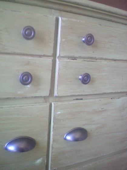 http://1.bp.blogspot.com/_dZfhQNPJCG0/THb04JLYCkI/AAAAAAAABaU/jbmbAP2hS9k/s1600/dresser2(3).jpg