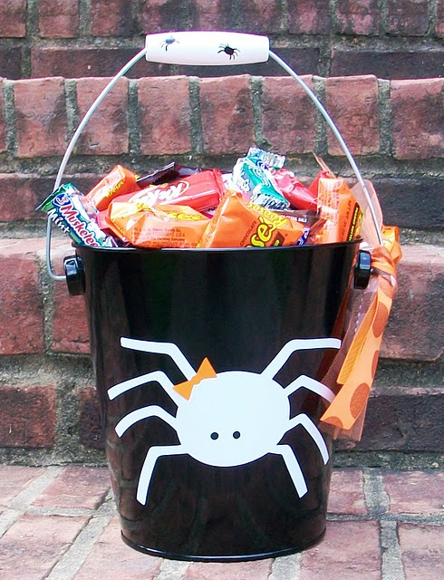 http://3.bp.blogspot.com/_8k3EU3usb_I/THfxHM8tn0I/AAAAAAAAAfc/SqM7YCppqvU/s320/little+miss+spider.jpg