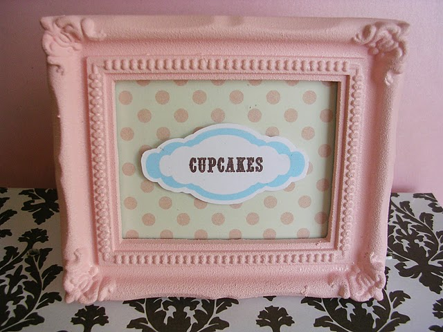 http://4.bp.blogspot.com/_orxuLAav5wM/TI-Z7cJMu8I/AAAAAAAABlE/l6M1bWAEbEc/s1600/cupcakes2.jpg
