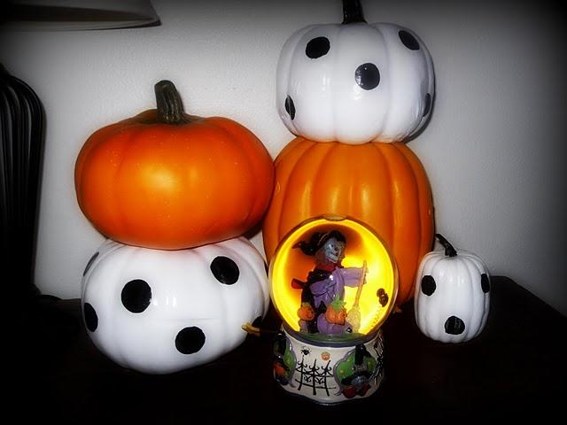 http://2.bp.blogspot.com/_rx_-zxsvEzI/TKzaDzck_1I/AAAAAAAAAgQ/wv6FwCceqow/s1600/pumpkins.jpg
