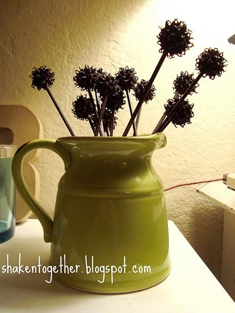 http://4.bp.blogspot.com/-RYo78gHO_M8/TWd2pXvjzlI/AAAAAAAAAJ8/ZHfAxHCG3VM/s1600/sweetgum+container+2+BLOG.jpg