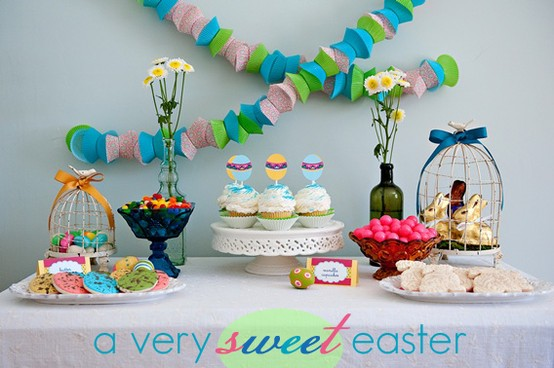 Check Out This Fun Easter Party Table I Love That Cupcake Wrapper Garland From The White Library
