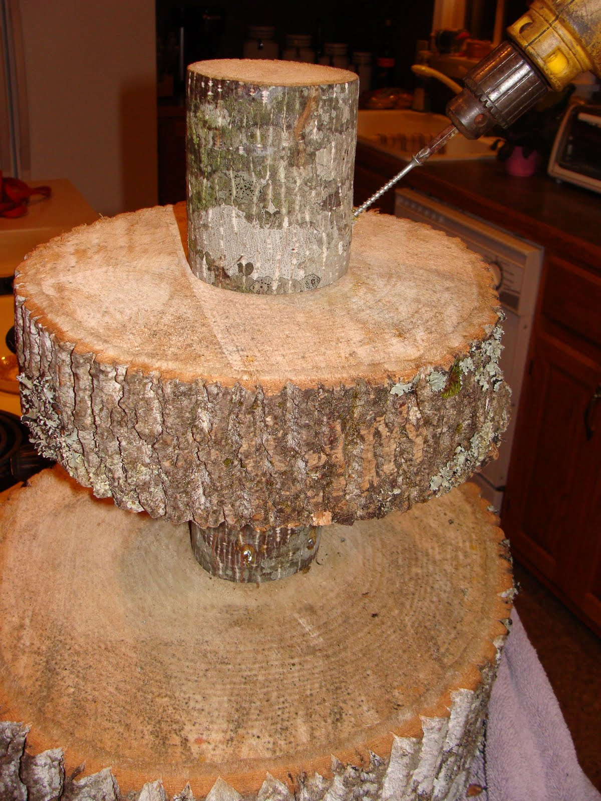 guest project throw a rustic wedding make a diy tree cupcake stand tutorial my blog. Black Bedroom Furniture Sets. Home Design Ideas